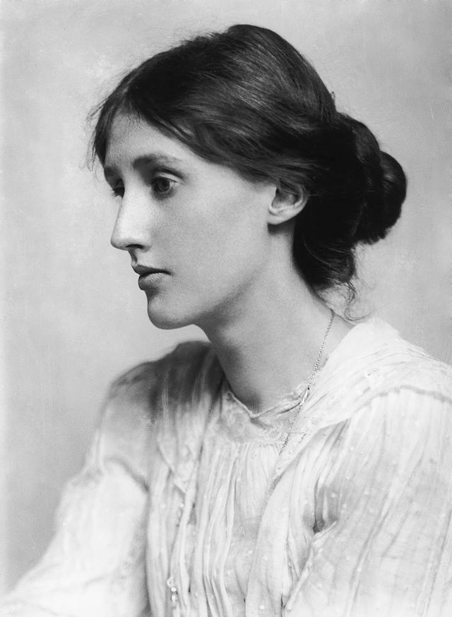 640px-VirginiaWoolf